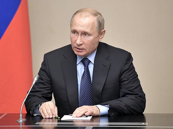 Путин поручил протестировать налог на самозанятых в четырех регионах