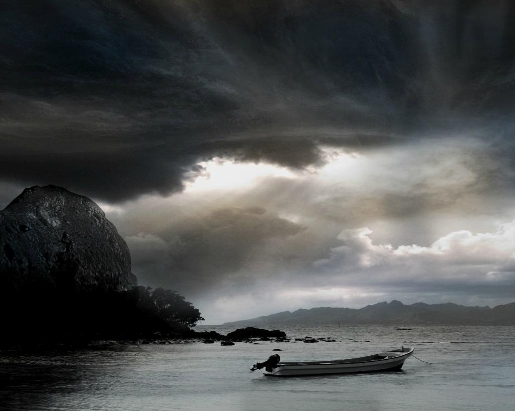 3531 Ураганы и смерчи в фотографиях