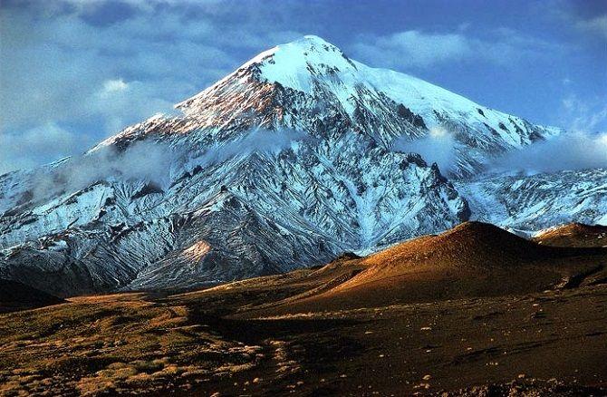 Ледяные столбы. На Камчатке нашли сталактиты из неизвестных минералов