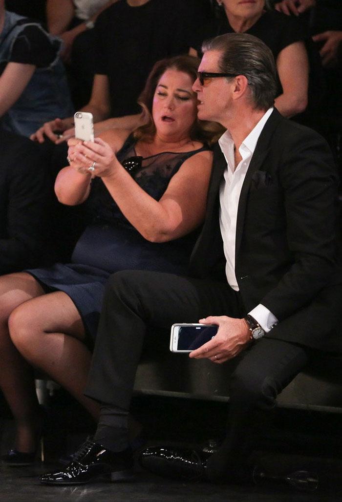 Пирс Броснан с женой отметили серебряную свадьбу