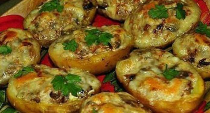 Обалденный картофель запеченный в духовке с чесночным соусом