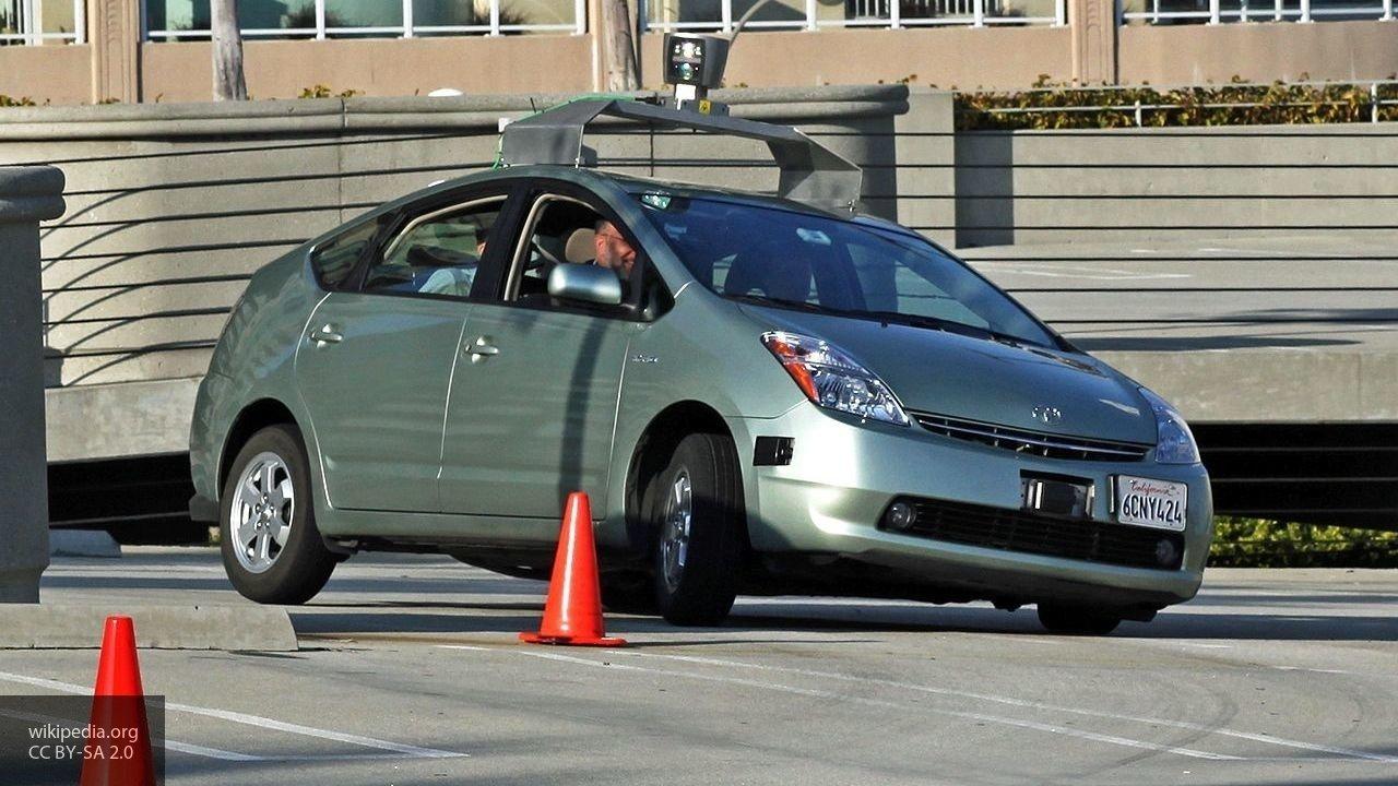 В Китае провели тестирование новых беспилотных автомобилей на трассе