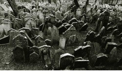 Передвигающиеся могилы. Стра…