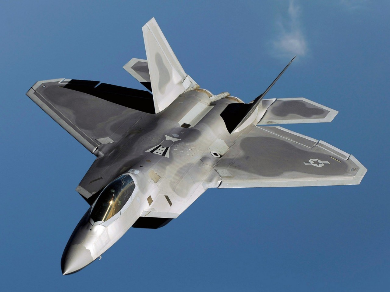 В Сирии Су-35 наказал «невидимку» ВВС США F-22 в ходе воздушной дуэли (ФОТО)