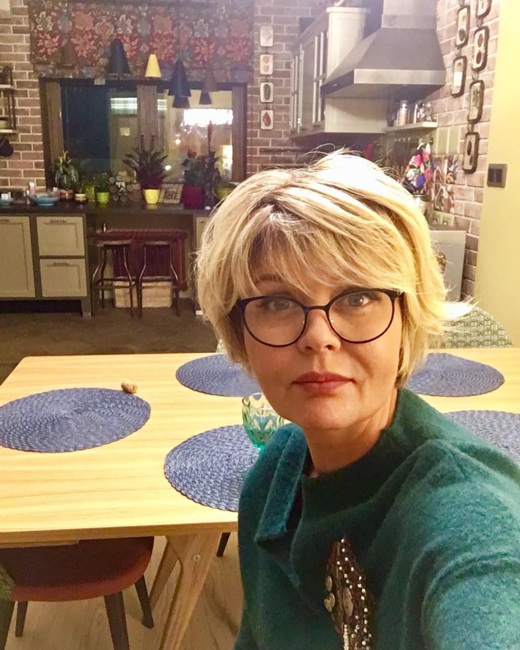 Юлия Меньшова нашла новый способ заработать денег: телеведущая показала интерьер своей квартиры