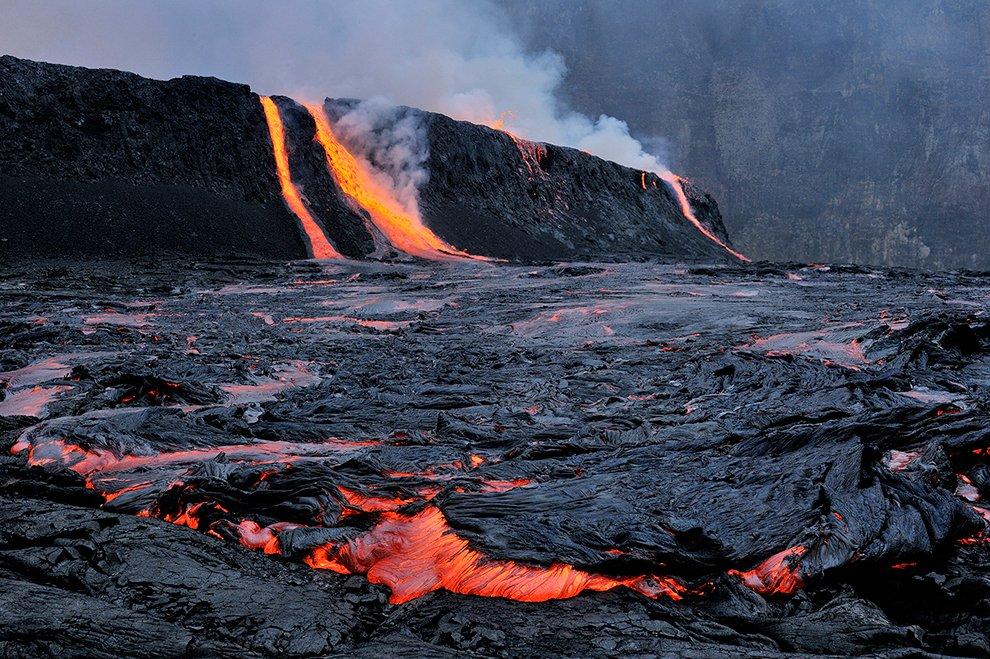 Озеро лавы вулкана Ньирагонго