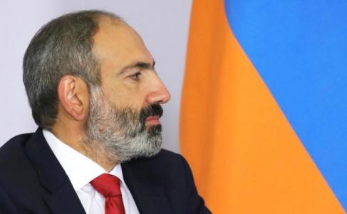 Армения тихонько стучится в …