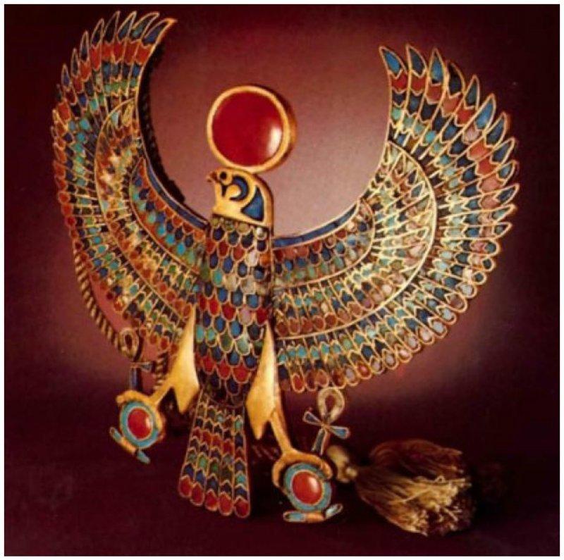 Изображение святой птицы- сокола. Золото, ляпис-глазурь, сердолик, бирюза древний египет, искусство, красота, невероятное, удивительное, ювелирное