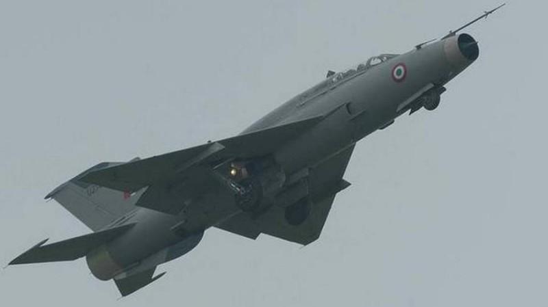 Индия подарит России винтажные самолеты