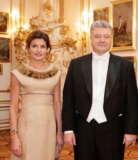 Напали и обсмеяли: поездка Порошенко на Венский бал обернулась позором