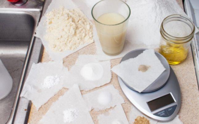 Продукт Роба Райнхарта представляет собой коктейль из витаминов, минеральных порошков и белков, крахмала, овса и соли.