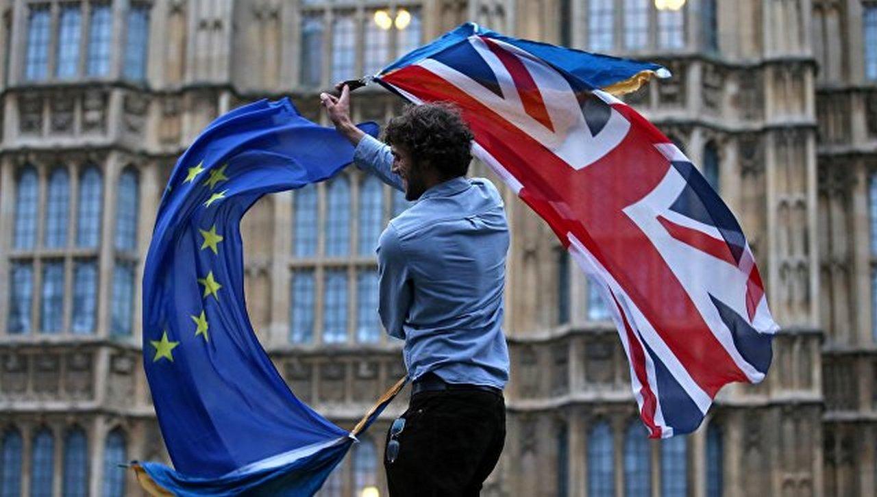 Брексит и англичане: что будет с Терезой Мэй после несостоявшейся сделки?