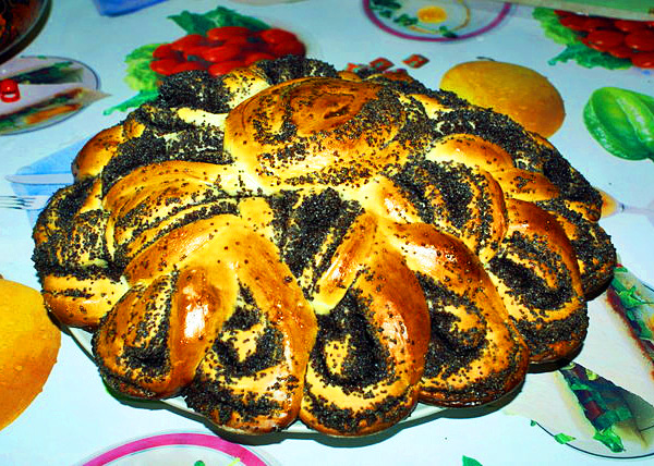 Пирог-рулет с маком «Бабушкина салфетка»