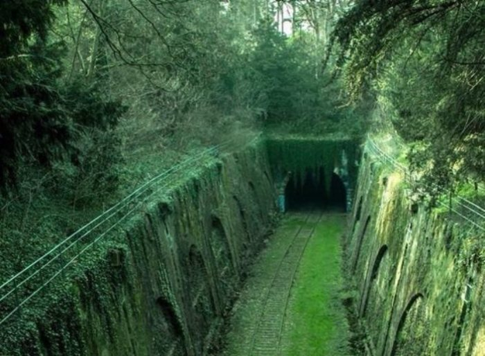 Старая железная дорога.