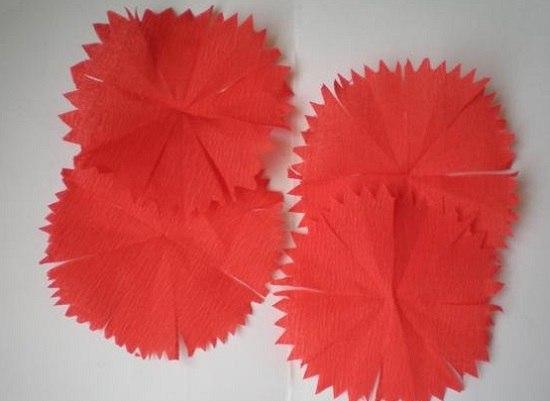 Как сделать гвоздику из гофрированной бумаги