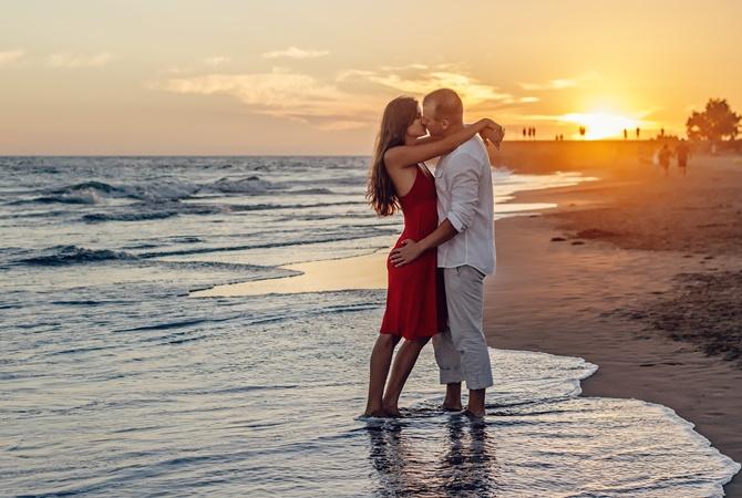 Я изменяла мужу, но теперь жена любовника шантажирует меня