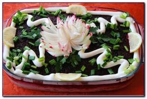 xrizantema iz repchatogo luka 300x203 Хризантема из репчатого лука