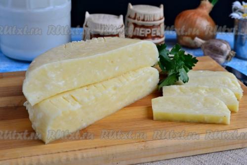 Домашний твердый сыр из творога и молока от Елены Калининой.