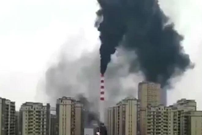 Бешеная ТЭЦ: эпический пожар в Китае сняли на видео