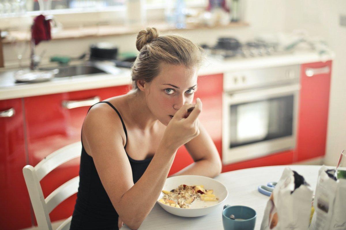 Повышенный холестерин: 4 продукта на завтрак для низкого уровня холестерина