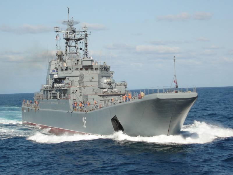 Десантный корабль «Ямал» проходит ремонт в Крыму