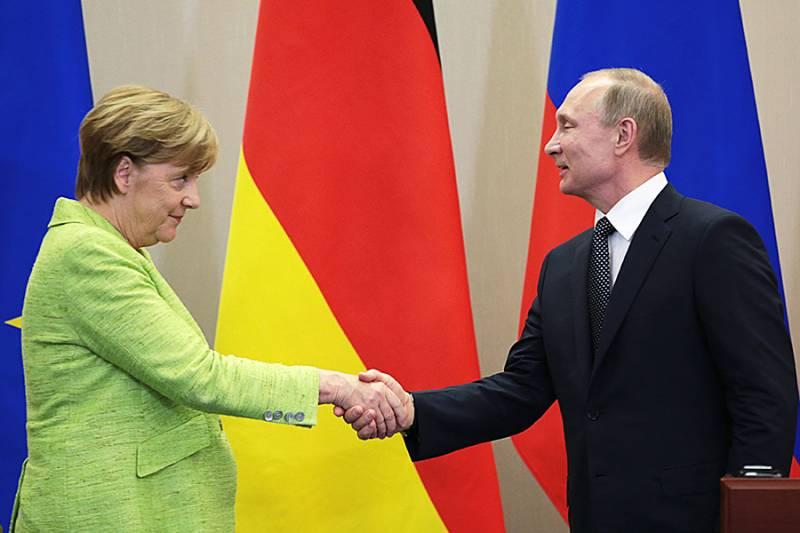 Кто наш Штирлиц: Трамп или Меркель?