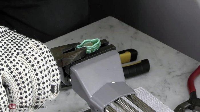 Как сделать болт барашек из обычного болта и ПЭТ бутылки
