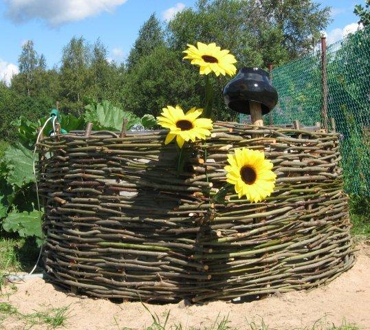 Плетень на даче своими руками - изготовление и идеи