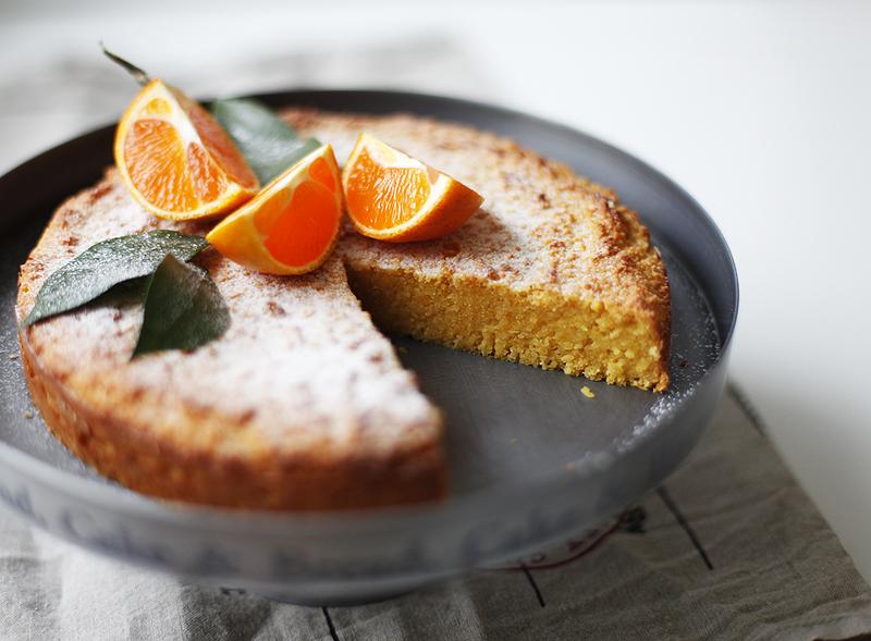 Мандариновый пирог с миндалем