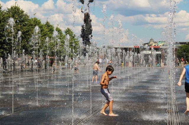 Жара с грозой ожидается в Москве во вторник