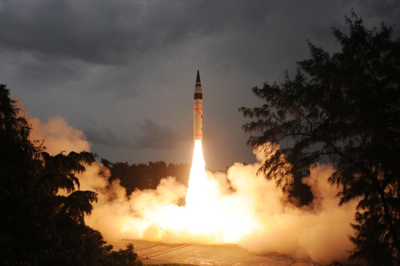 Индия запустила межконтинентальную баллистическую ракету
