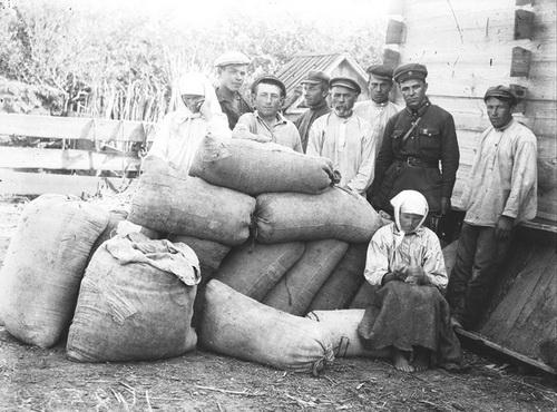 Русские крестьяне вспоминают о жизни при Сталине. 2 ч.