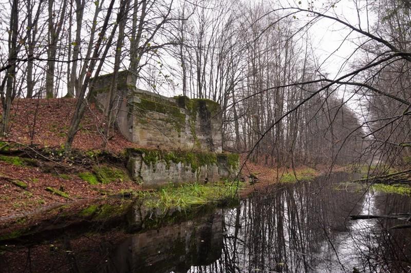 Остатки плотины через Мазурский канал. война, гидротехнические сооружения., история, каналы, рки