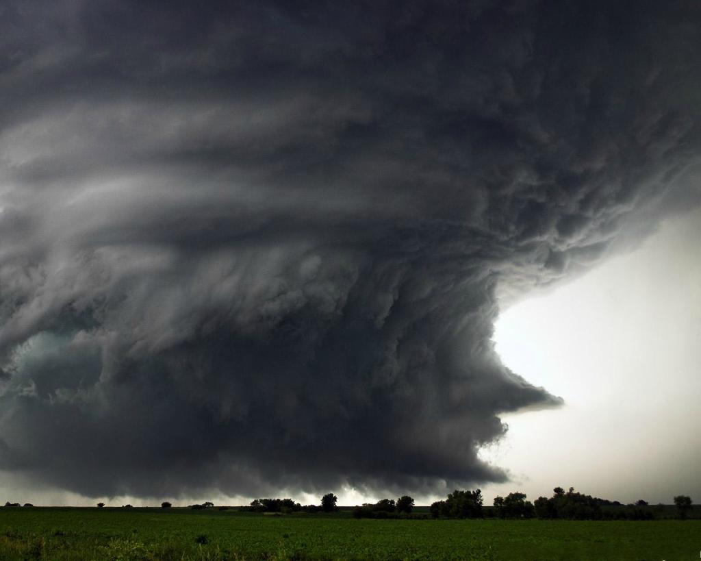 2278 Ураганы и смерчи в фотографиях