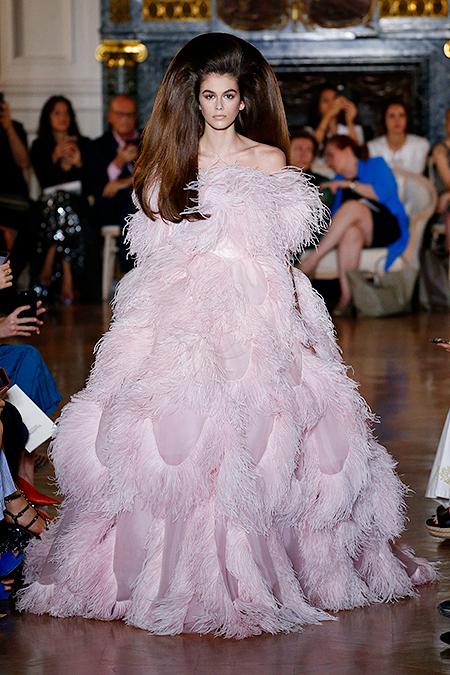 Цветут цветы — показ Valentino Haute Couture весна-лето 2018 на Неделе моды в Париже