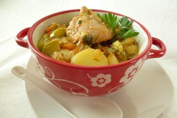 Ароматное и очень вкусное летнее рагу с курицей и кабачками