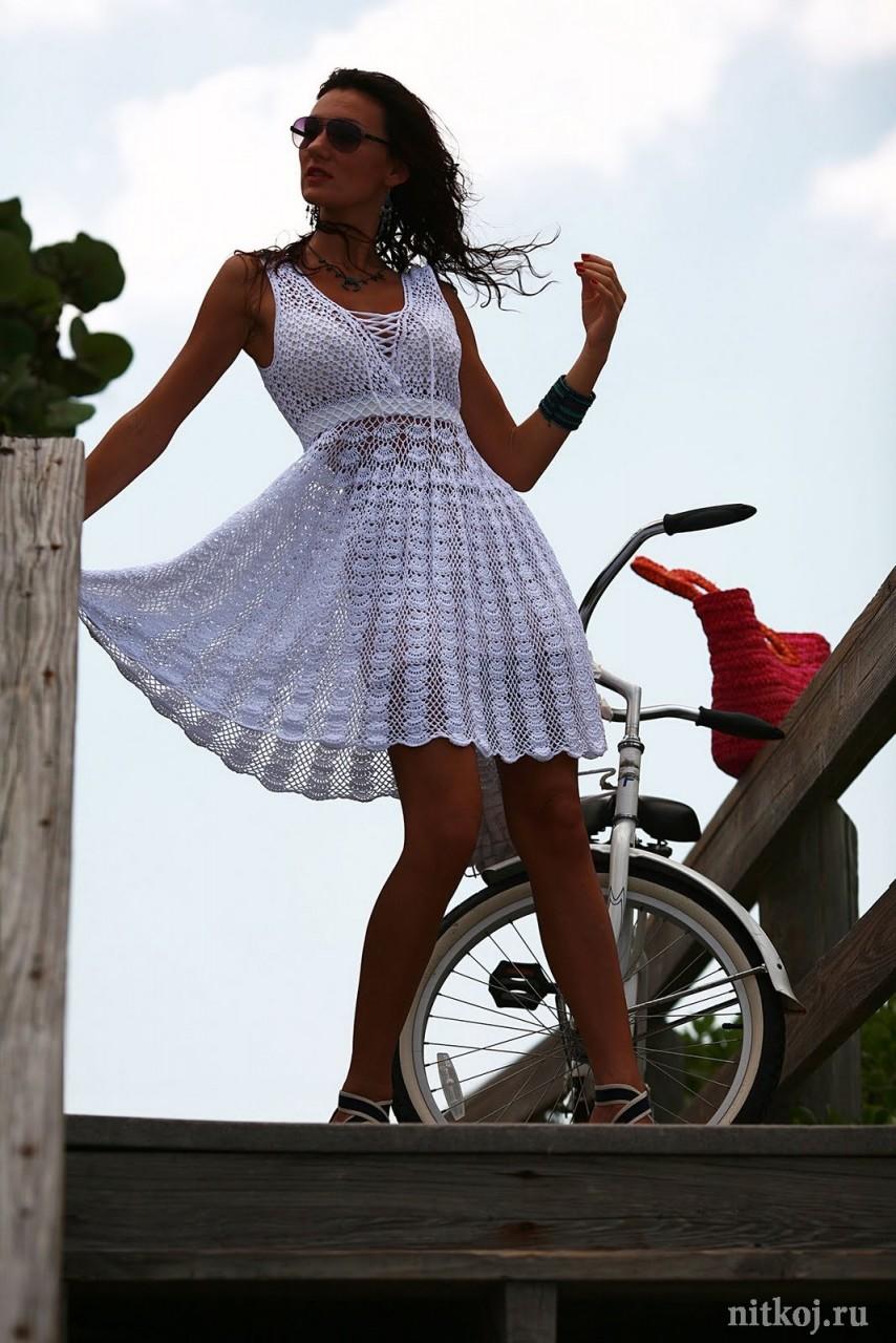 Платье крючком девушки фото
