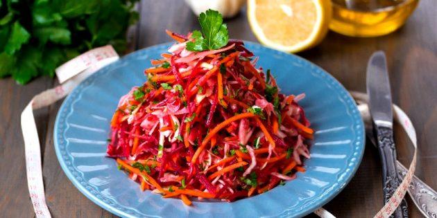 Салат из моркови, капусты и свёклы