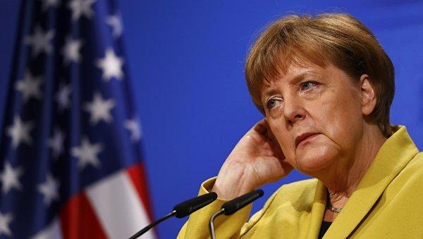 Меркель рассказала НАТО, как надо разговаривать с Россией