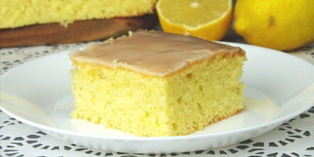 Нежный лимонный пирог с глазурью