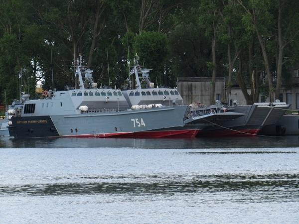 Десантные катера Балтфлота отрабатывают учебные задачи