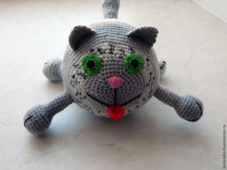 Вяжем круглого кота