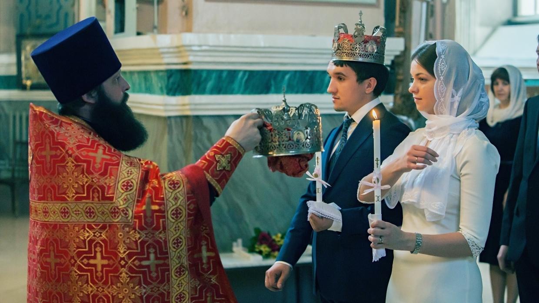 Венчание в России могут приравнять к официальному браку
