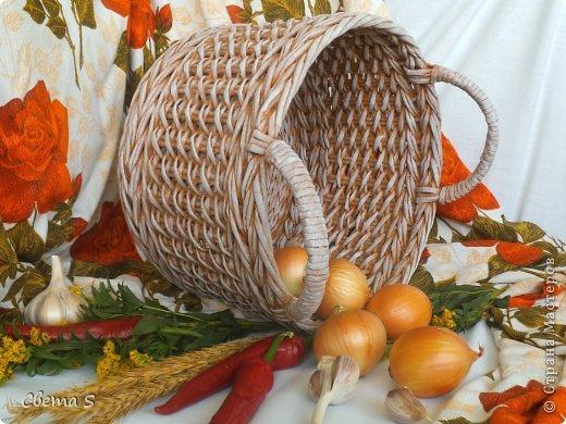 Мастер-класс Поделка изделие Плетение Корзины для овощей - Бумага газетная Трубочки бумажные фото 3