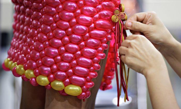 платье, шарик, насос для шариков