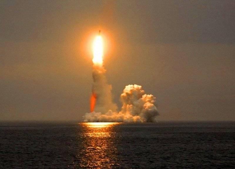 """И швец, и жнец, и на дуде игрец. Версия ракеты """"БраМос"""" для субмарин уже создана"""