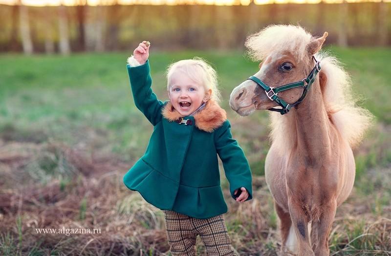 Мир детства на фотографиях Елены Алгазиной