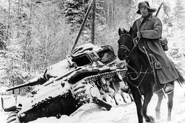 Бронепоезда и кавалерия. Методы войны завтрашнего дня