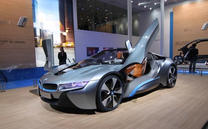 Совсем скоро на дорогах появится новый BMW i8 Spyder