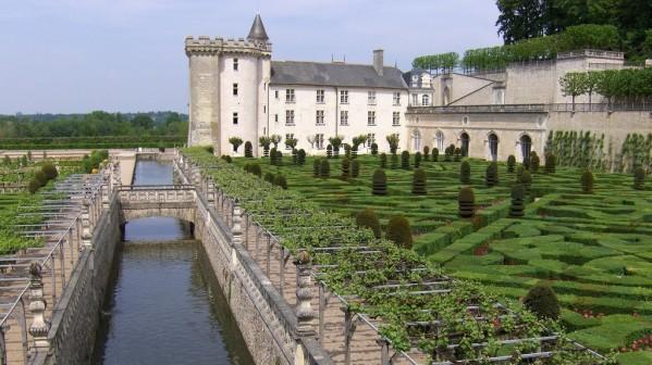 http://a401.idata.over-blog.com/600x336/3/19/10/25/Le-Lude/1516a-Chateau-de-Villandry.jpg